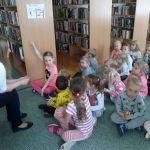 Krasnoludki w bibliotece 02