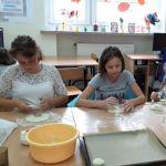 Zajęcia plastyczne z wykorzystaniem masy solnej